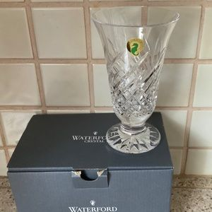 "New in box WATERFORD WAVE 6'"" Vase made in Ireland"